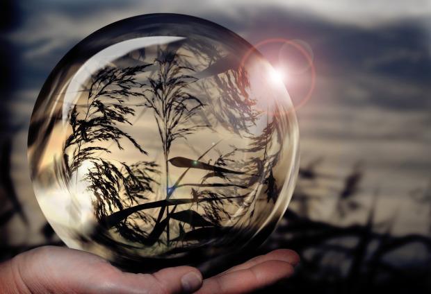 glass-ball-1667668_1920