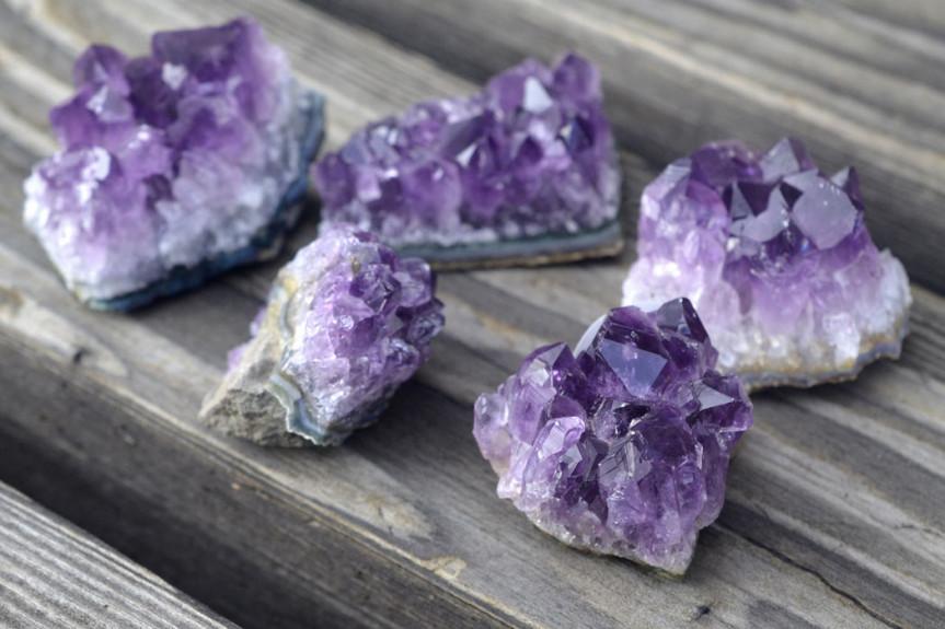 amethyst-healing-properties-1050x700