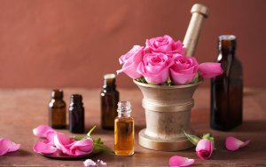 emotions_flowers_girls_love_red_roses_spring_wife_perfume_bottles_extraction_3840x2400