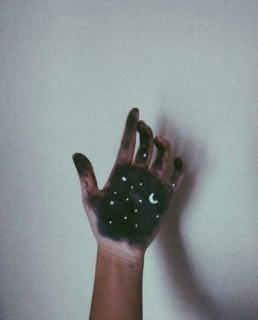moon-hand