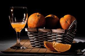 oranges_citrus_cloves_juice_baskets_glass_2048x1360