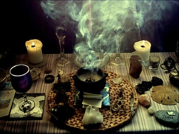 witchcraft-alter-banish-image-triple-moon-alchemy