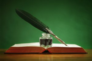 book_pen_ink_bokeh_feather_still_life_5700x3744