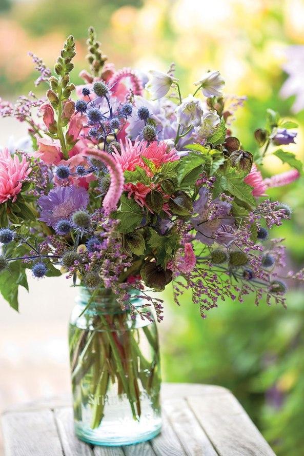 cutting-bouquet