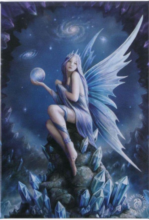 Star-Gazer-Fairy-Scrying-On-Crystals-Fantasy-Art