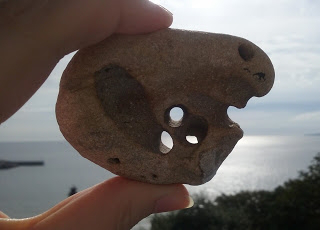 Hag Stone Uk – A stone with a natural hole through it.